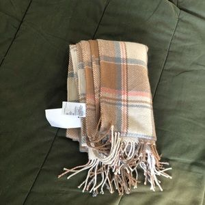 NWT Neutral colored H&M scarf